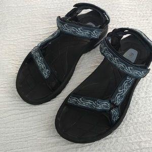 B1get1halfoff Men's Teva sandals sz 10